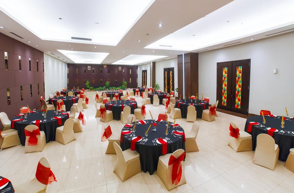 Ballroom Clove Garden Hotel