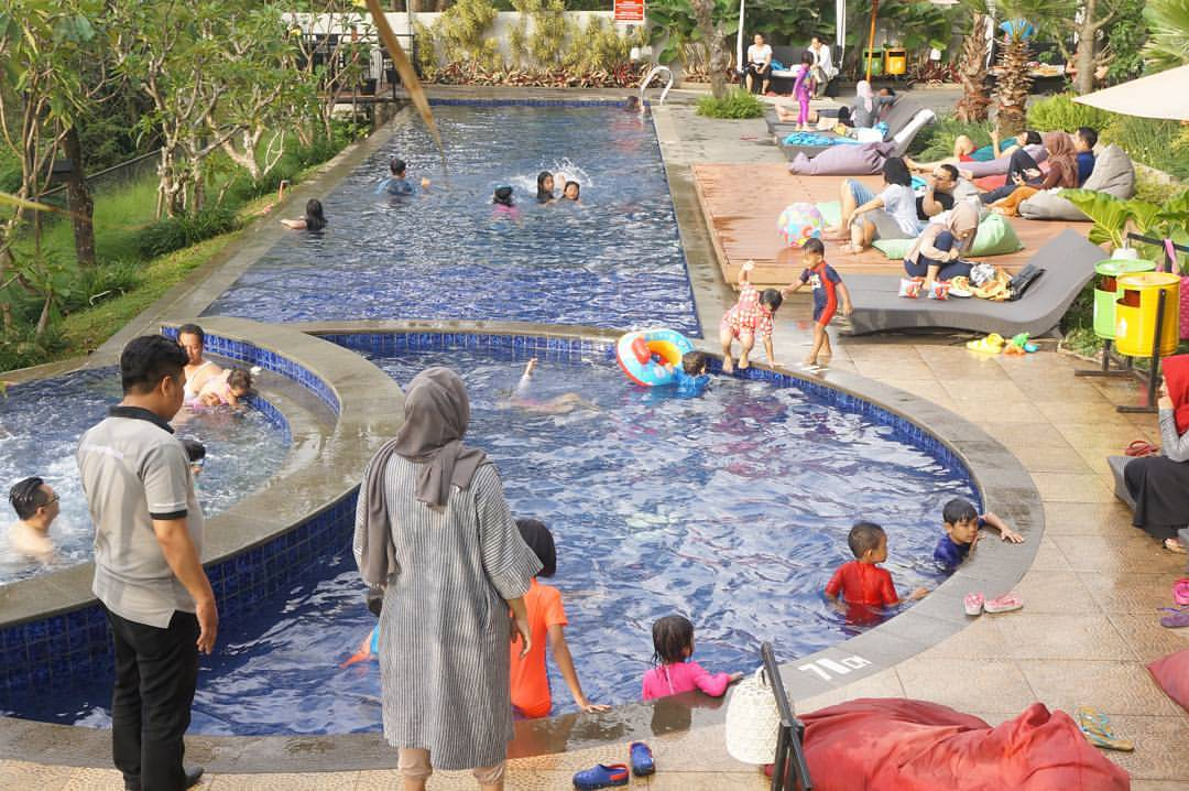 Hotel Family / Keluarga di Bandung dengan Kolam Renang